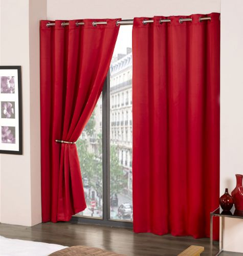 PLAIN RED COLOUR READYMADE THERMAL BLACKOUT LIGHT REDUCING EYELET CURTAINS